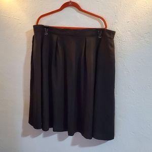 Forever 21 Plus Size Box Pleated Black Skirt